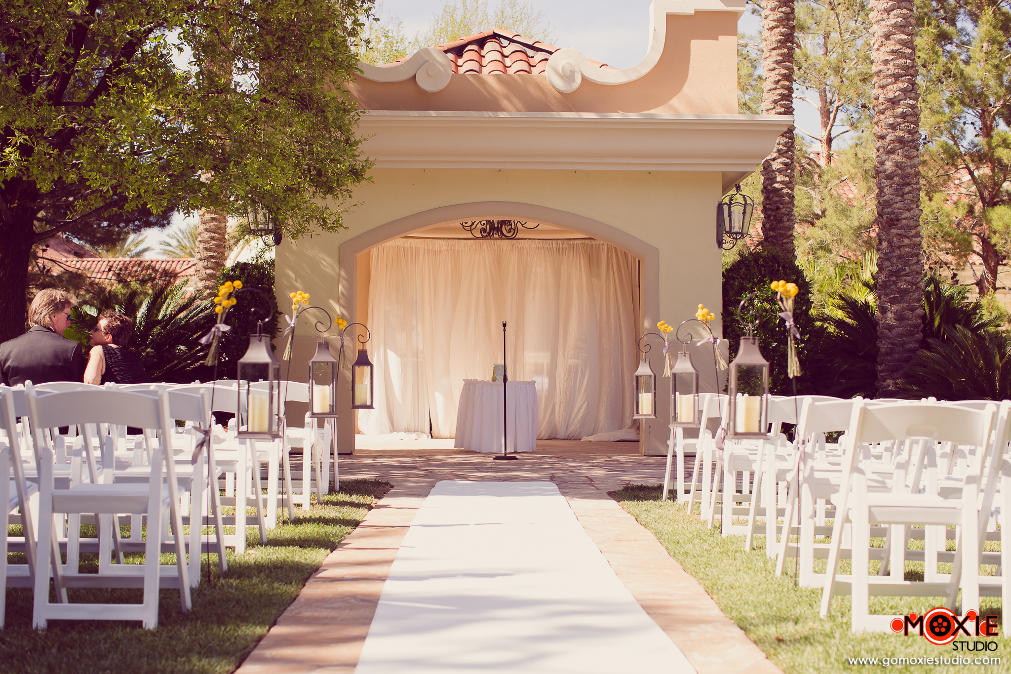 Yellow-Wedding-Inspiration-By-Dzign-Las-Vegas-5